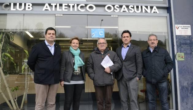 Sabalza y su equipo, en las oficinas de Osasuna