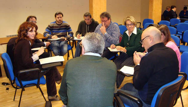 122 personas participan en las mesas del PEC