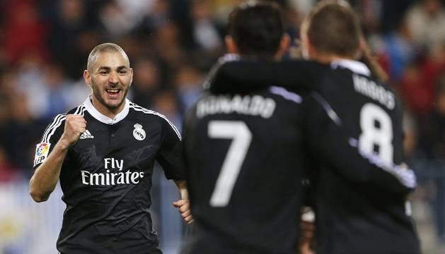 Benzema celebra su gol contra el Málaga