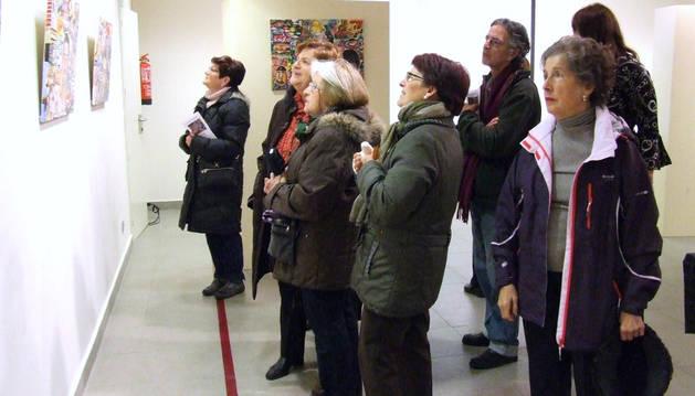 El artista riojano Javier Jiménez expone sus óleos en el Museo de Castejón