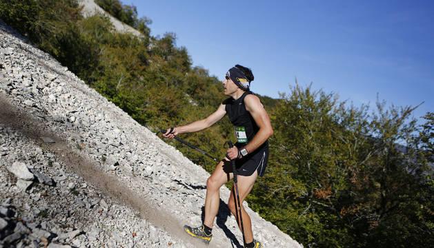 Un corredor, en la edición de 2013 del Kilómetro Vertical en San Donato.