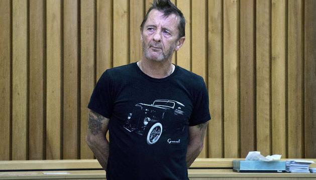 El batería del grupo de rock australiano AC/DC, Phil Rudd
