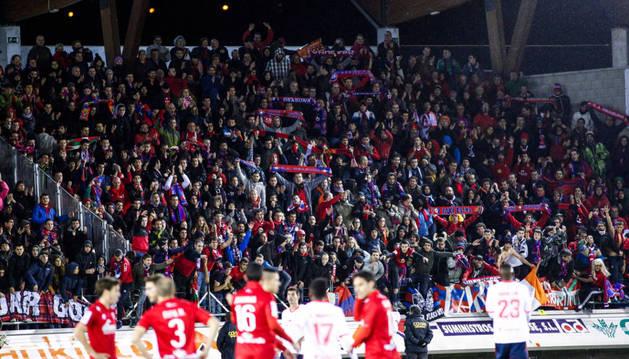 Aficionados de Osasuna, en Los Pajaritos