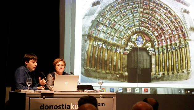 Diego Carasusán y Blanca Aldanondo, durante su ponencia
