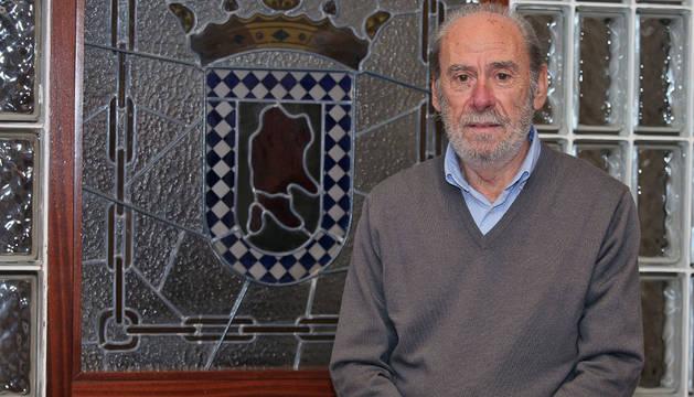 Gabriel Martiarena, en el salón de plenos del Ayuntamiento de Huarte