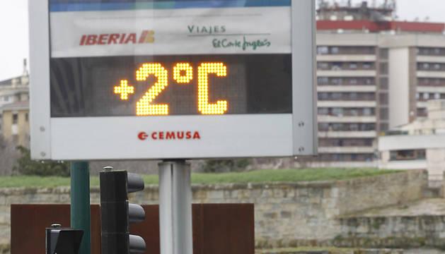 Un termómetro en la avenida del Ejército de Pamplona.