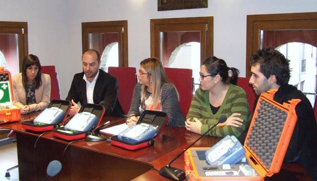 Cinco nuevos desfibriladores en Villafranca