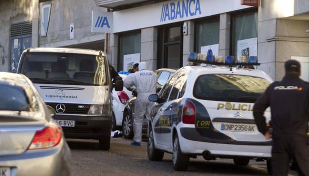 Recibe el alta el subinspector  herido en un atraco en Vigo