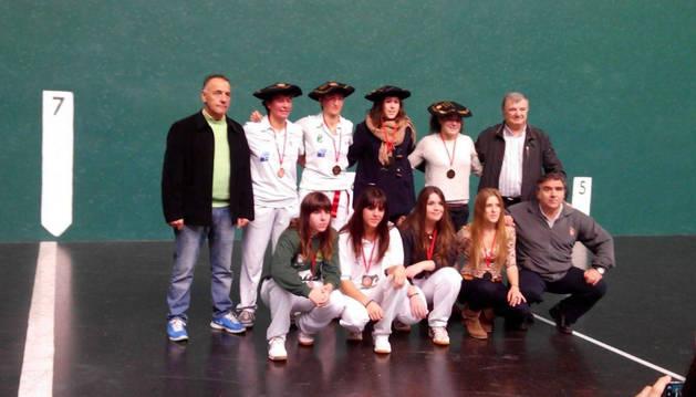 Las ganadoras después de la entrega de premios