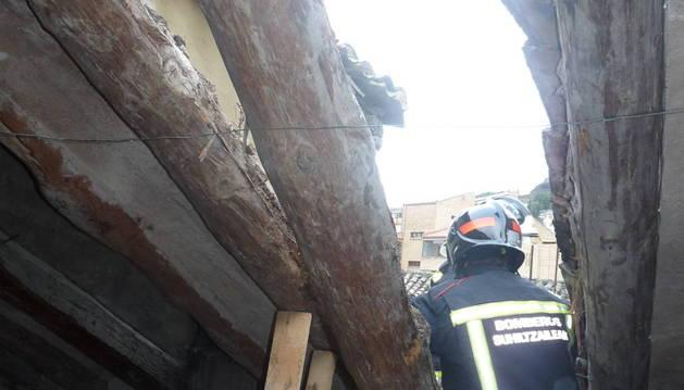 Vista del interior del agujero que taparon los bomberos
