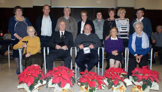 Homenajeados y autoridades presentes en la fiesta