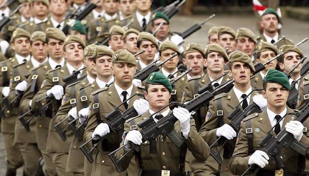 Reconocimientos en el día de la patrona de Infantería en Aizoáin
