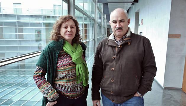 Isabel Elizalde y José Mª Aierdi, directora gerente y presidente de Cederna Garalur, ayer en el Parlamento de Navarra.