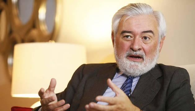 Darío Villanueva, elegido nuevo director de la RAE