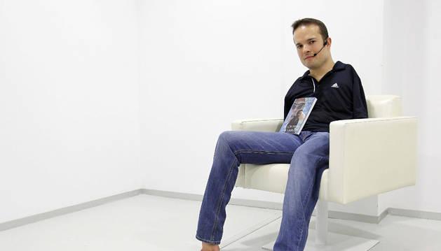 El escritor y nadador paralímpico Javier Hernández