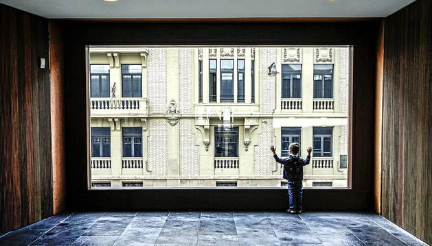 Cada mes incluye una fotografía ganadora del concurso organizado por el Ayuntamiento