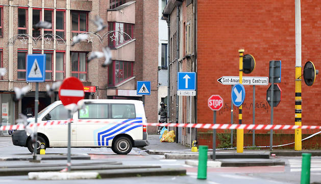 La policía belga ha acordonado la zona por precaución hasta que la situación esté más clara