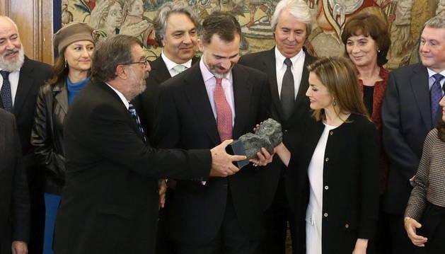 Los reyes recogen el Goya