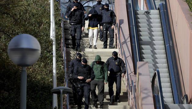 Los anarquistas detenidos en Barcelona son 4 hombres  y 7 mujeres
