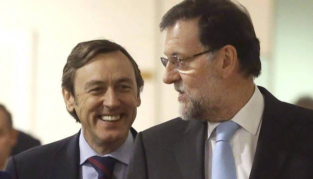 Rajoy, junto a Rafael Hernando.
