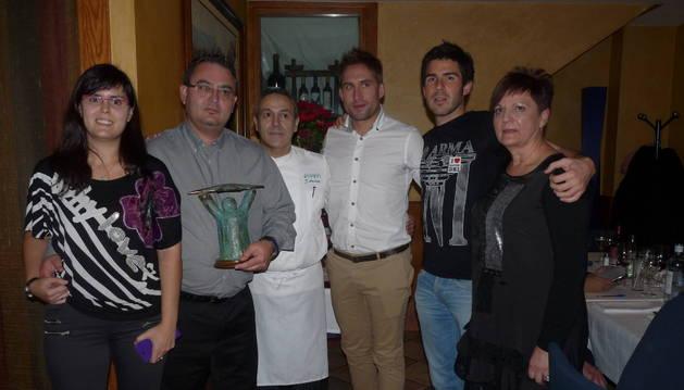 Un honor que el presidente brinda a su club el C.D. Izarra