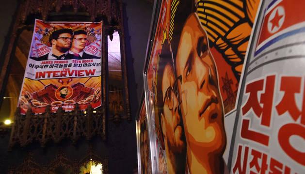 Cartel anunciando el estreno de la película en Los Ángeles.