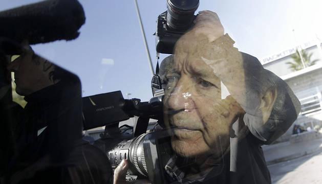 José Luis Núñez, abandonando la prisión.