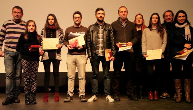 Los ganadores del concurso posaron tras recoger el premio en las dos modalidades, Xtreme y mejores cortos navarros.