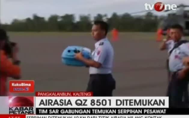 Localizan más restos del avión AirAsia desaparecido
