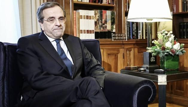 El primer ministro heleno, Andonis Samarás, en la sede presidencial en Atenas este martes