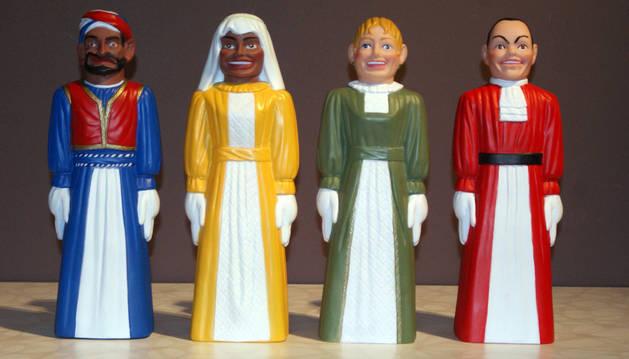 Las cuatro figuras realizadas en goma