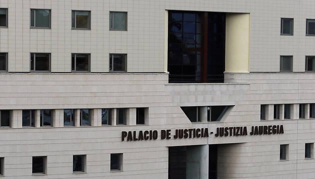 Imagen del exterior de la Audiencia Provincial de Navarra.