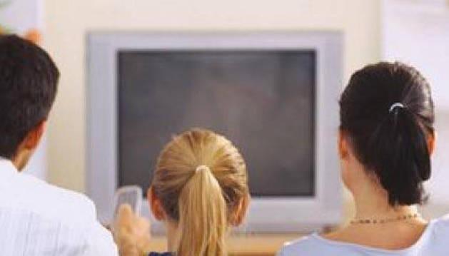Cinco minutos menos de televisión al día que en 2013