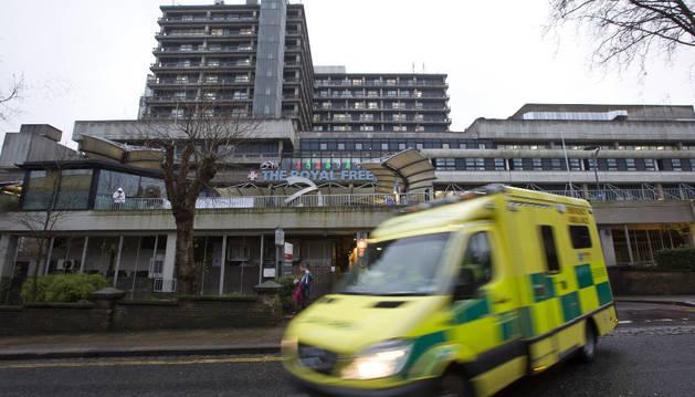 La enfermera británica con ébola está