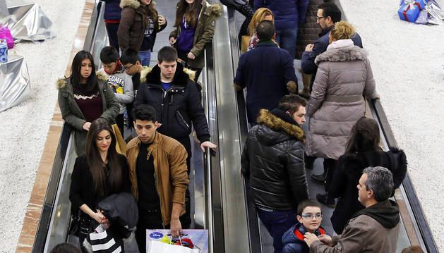 Los comerciantes aprecian unas ventas navideñas mejores que años anteriores