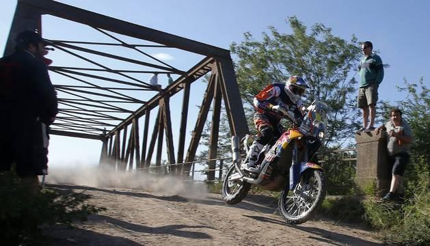 Sam Sunderland, líder en motos