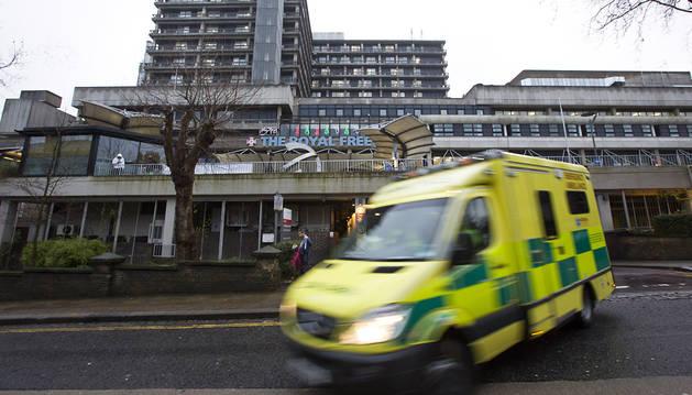 La enfermera británica sigue en estado crítico pero estable