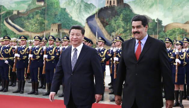 El presidente de Venezuela, junto con su homólogo chino, Xi Jinping