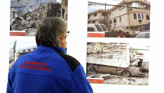 Parte de la exposición que homenajea a los bomberos