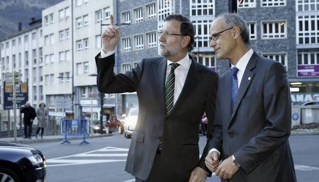 El jefe del Gobierno de Andorra, Antoni Martí, recibe al presidente del Gobierno español, Mariano Rajoy