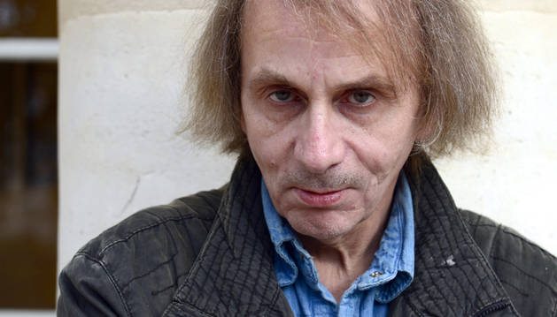 Houellebecq, portada de 'Charlie Hebdo', deja de promover su novela