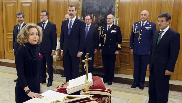 La primera mujer fiscal general del Estado promete su cargo ante el Rey