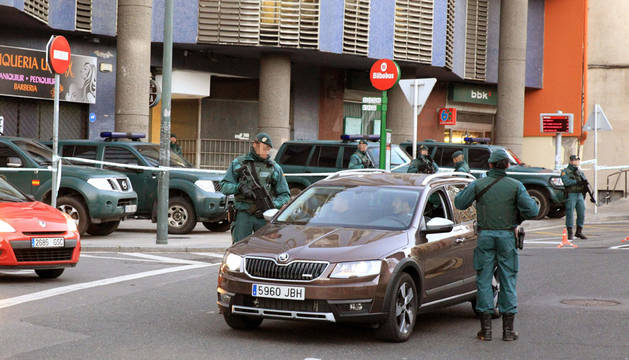 Dieciséis detenidos en una operación contra el