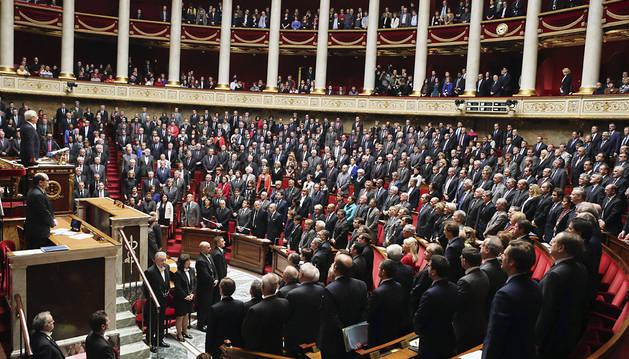 Francia adoptará medidas excepcionales contra el terrorismo