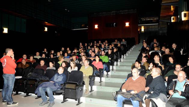 Asamblea celebrada en Funes sobre las basuras