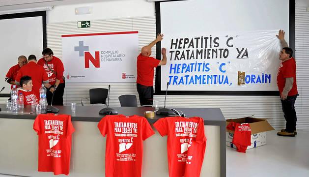 Varias de las 30 personas que se han encerrado en el Complejo Hospitalario de Navarra.