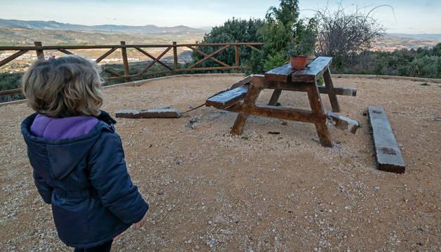 El mirador de Montejurra sufre de nuevo el vandalismo