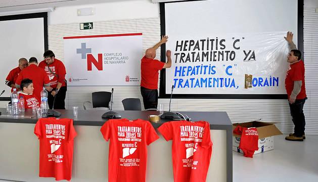 Varias de las 30 personas que se han encerrado en el Complejo Hospitalario de Navarra