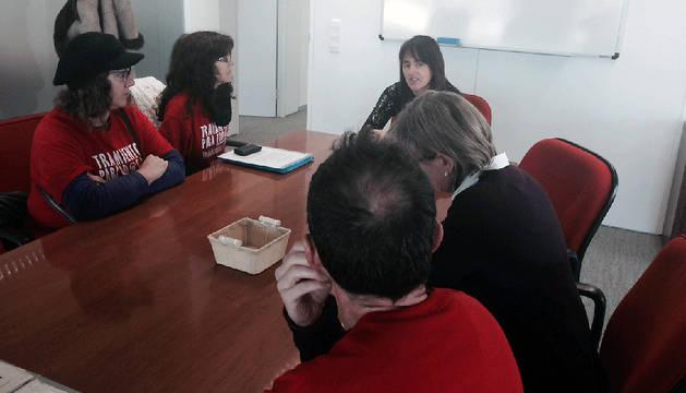 Marta Vera, con representantes de asociaciones de afectados por hepatitis C