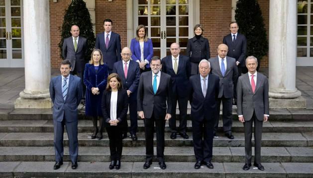 Rajoy actualiza la foto oficial de su equipo de Gobierno